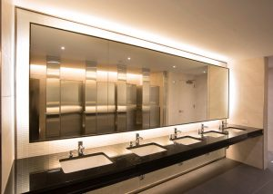 sinks-in-commercial-building-bathroom