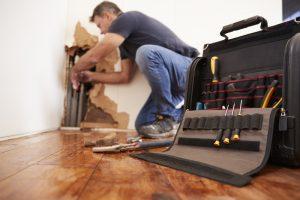 plumber-fixing-plumbing-emergency